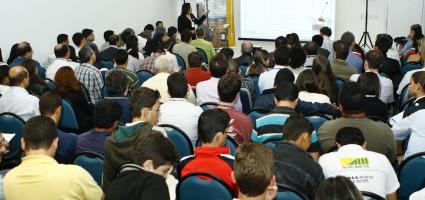 Mais de 20 cursos programados para 2014