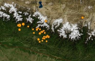 Drones e satélites ajudam após terremoto que devastou o Nepal-1