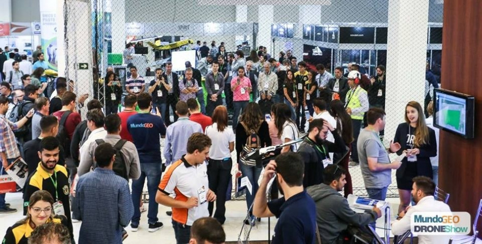 corredor-do-mundogeoconnect-droneshow-2018